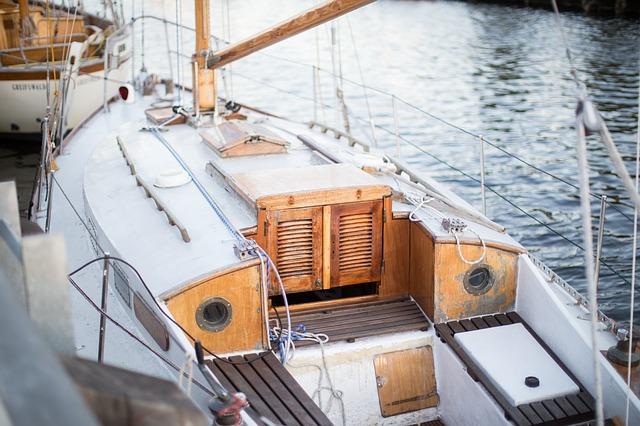 boat-983899_640