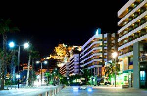 La calidad de los edificios de la costa mediterránea, clave para perpetuar la afluencia turística en la zona