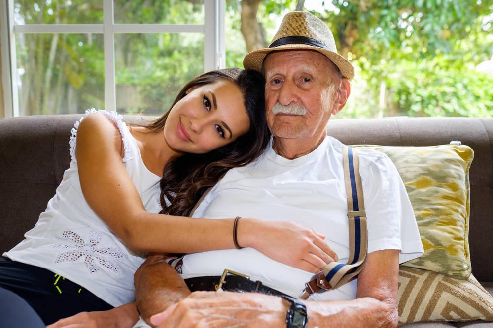 Ayuda y atención en domicilio de personas mayores